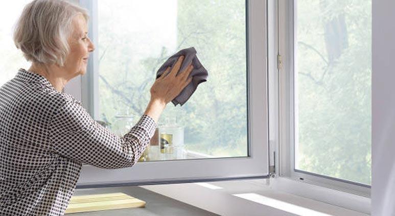 نظافت بسیار آسان درب و پنجره های دوجداره UPVC